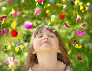 kind-met-bloemen_000011911866Small-300x234 Positionering en beleving: zet geur, geluid en tast in!